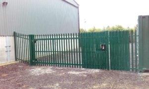 sl-swing-gate-palisade-with-unican-lockinox-type-lock-anti-tamper-pales-gpc-green